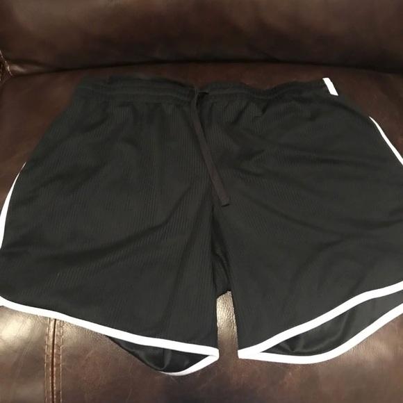 Pants - shorts (not nike)